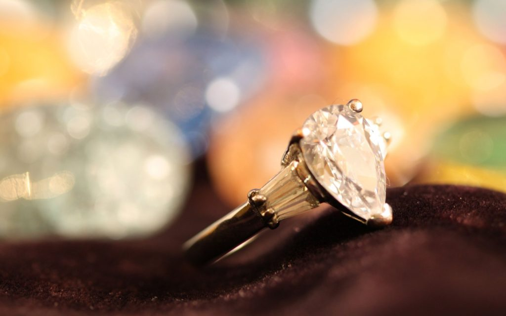 diamond-jewellery-ring-top-hd-wallpapers-for-background-wide-free-hd-images-wallpaper-of-windows-desktop-images-1920x1200